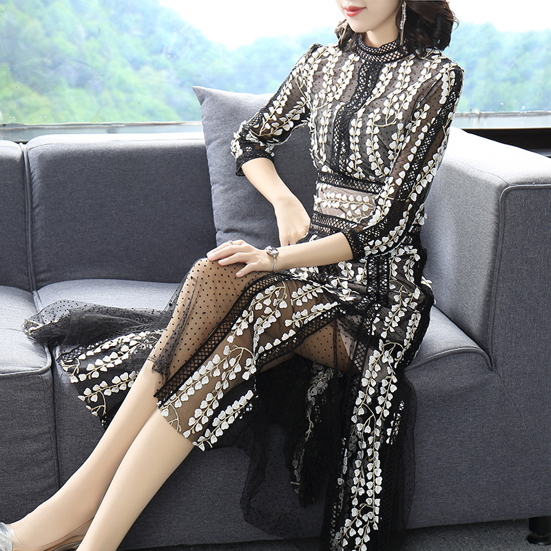 Early spring and Autumn New 7 / 4 sleeve dress long mesh round neck stitching waist long skirt black and white plain light mature style