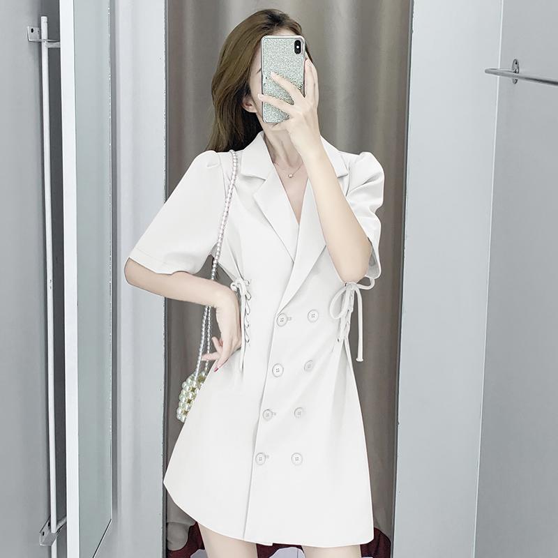 赫本气质炸街收腰抽绳双排扣翻领黑色西装裙显瘦白色小个子连衣裙