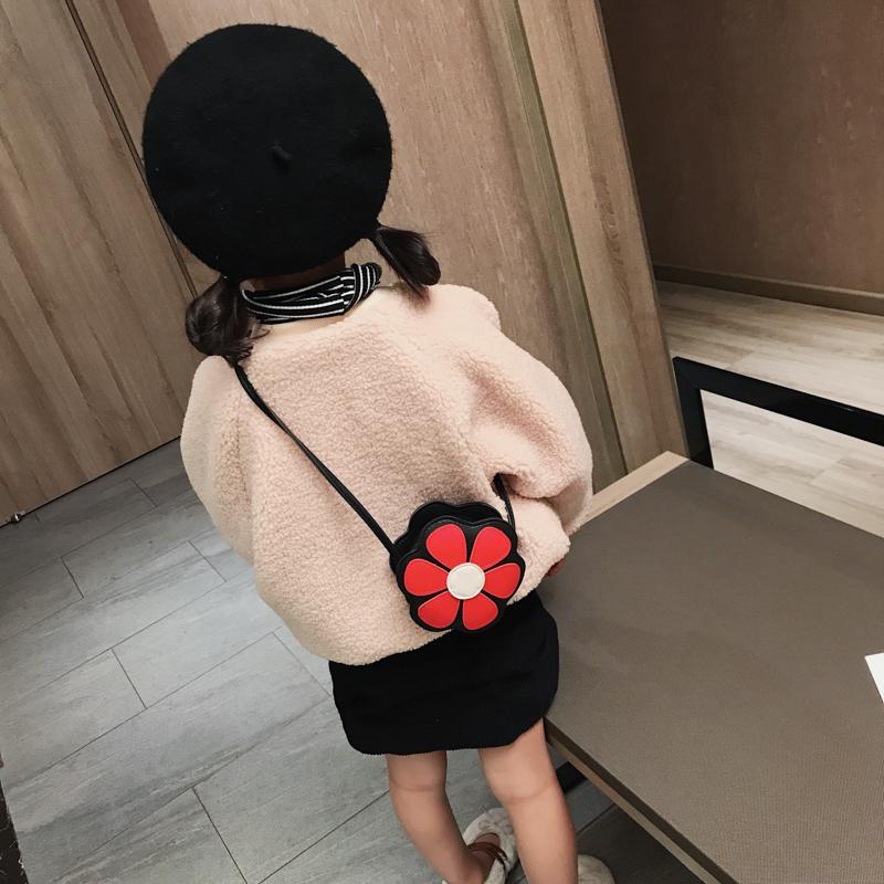洋气小孩包包可爱女童花朵斜挎包