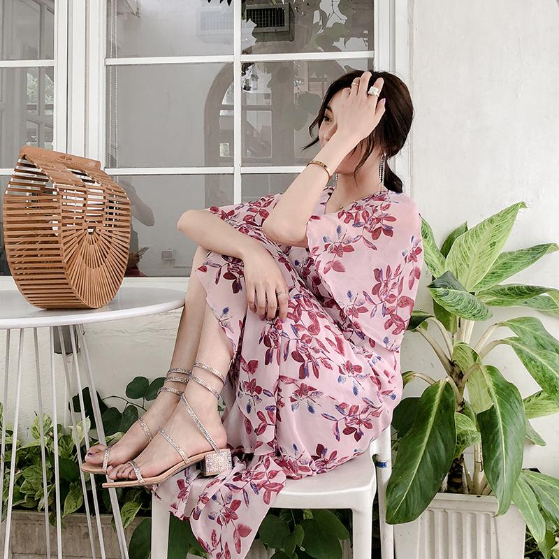 粉色V领碎花连衣裙女2018夏季新品韩版雪纺荷叶边短袖宽松中长款