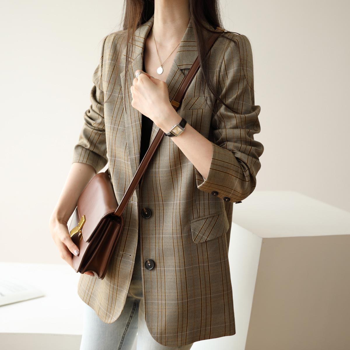 新款外套韩版英伦风格子短款西服质量好不好