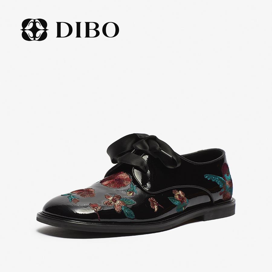 DIBO2020新款女鞋时尚漆皮复古英伦风刺绣小皮鞋平底休闲鞋女单鞋