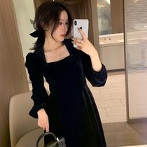 秋冬季金丝绒黑色连衣裙女修身显瘦长裙法式复古内搭中长款小黑裙