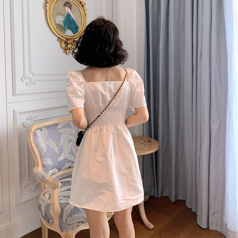 茶歇法式复古宫廷风方领修身连衣裙10-18新券