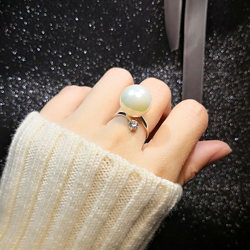 Japanese and Korean super large pearl index finger ring for womens simple four claw diamond inlaid zircon womens decorative ring with exaggerated opening