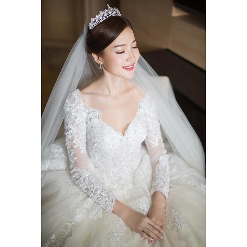 婚纱 v领