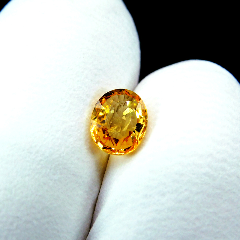 Bright natural sapphire small golden ring ring face nude stone 1.04 carat oval certificate package video