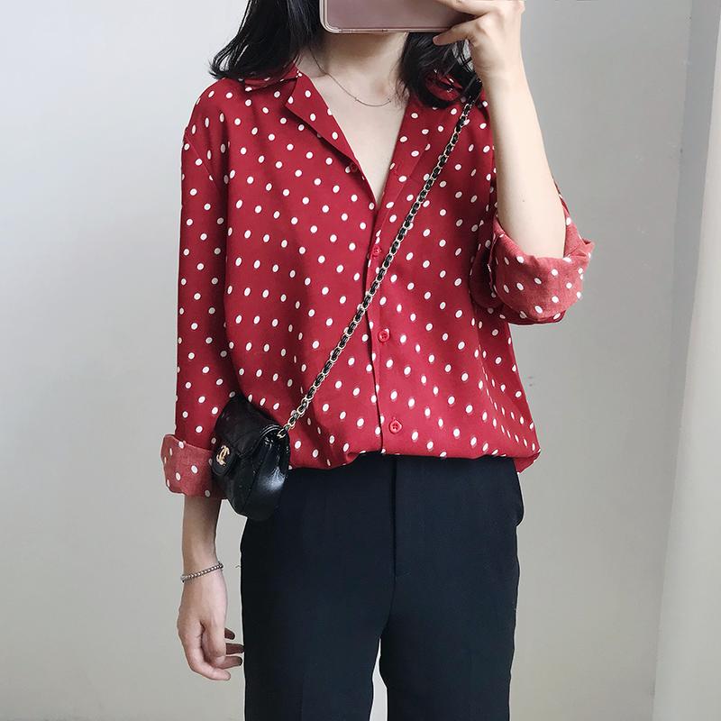 秋季新品chic复古显白酒红色长袖波点网红衬衫女装V领韩国打底衫