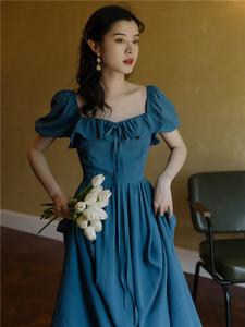 夏季法式设计感小众复古一字连衣裙