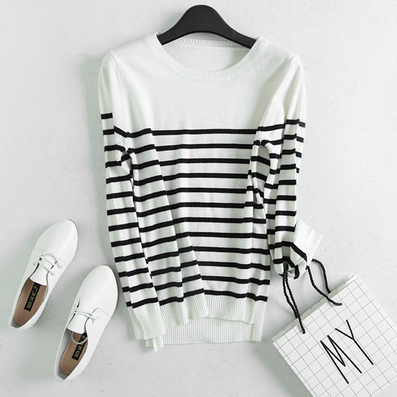 Spring and autumn cashmere sweater womens black and white striped cross track set head low round neck knitting bottoming shirt slim Korean Edition sweater