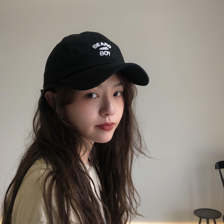 丁走走/春夏简约字母刺绣男鸭舌帽(用1元券)