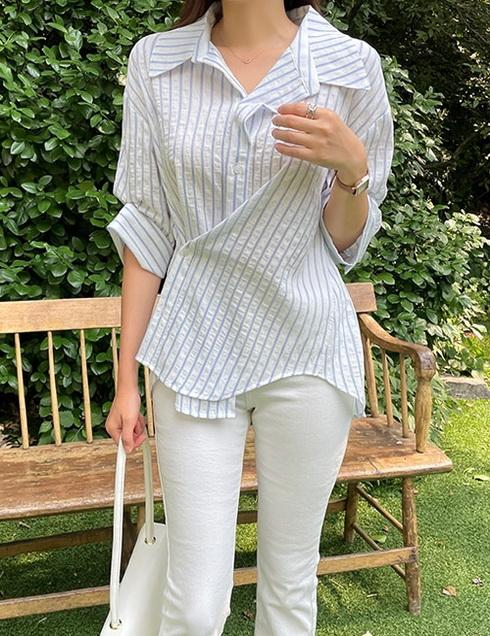 8月TheJsoo韩国代购时尚条纹衬衫侧边扣袖边扣自由穿搭设计(0723)