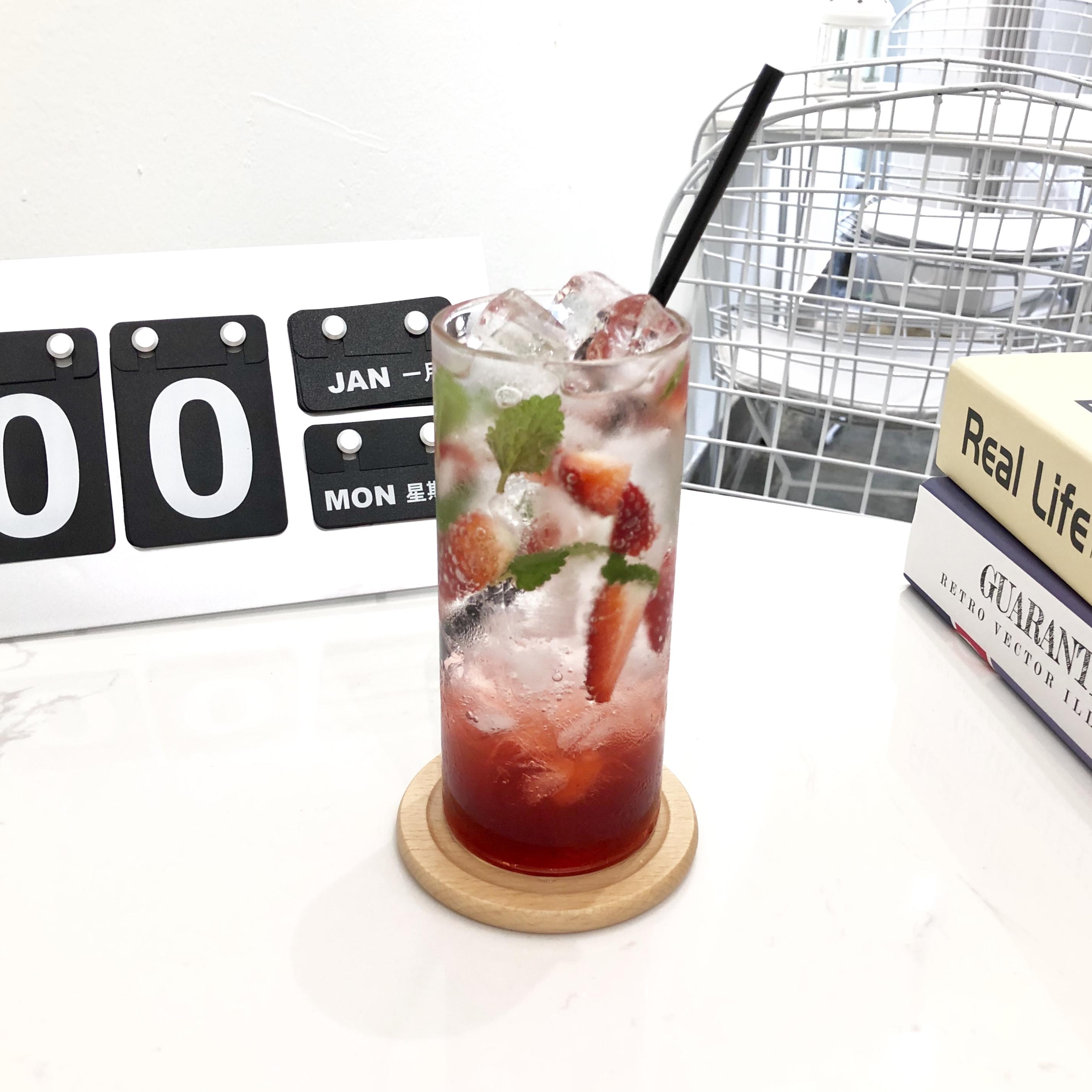 网红玻璃杯ins风 北欧简约圆形杯 网红高颜值饮品杯气泡水杯冷饮图片