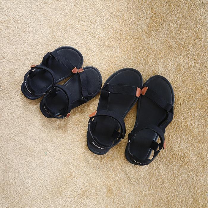 Год дракона год дракона мама отцовство сандалии 2017 новый корейский мальчиков скольжение сандалии мягкое дно ребенок песчаный пляж обувной лето