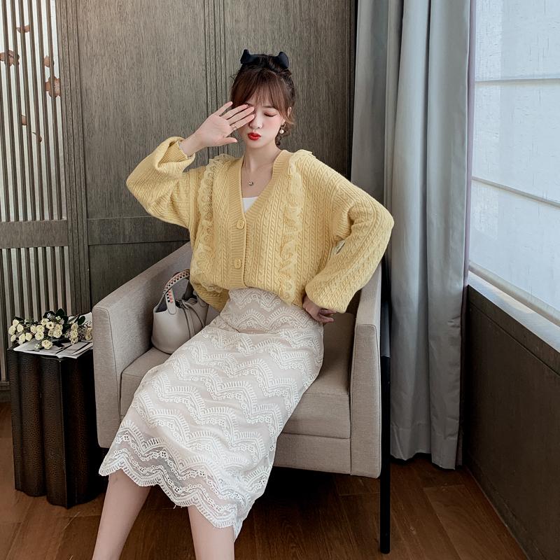 蕾丝边拼接毛衣外套女秋装2019新款韩版宽松洋气v领针织开衫上衣