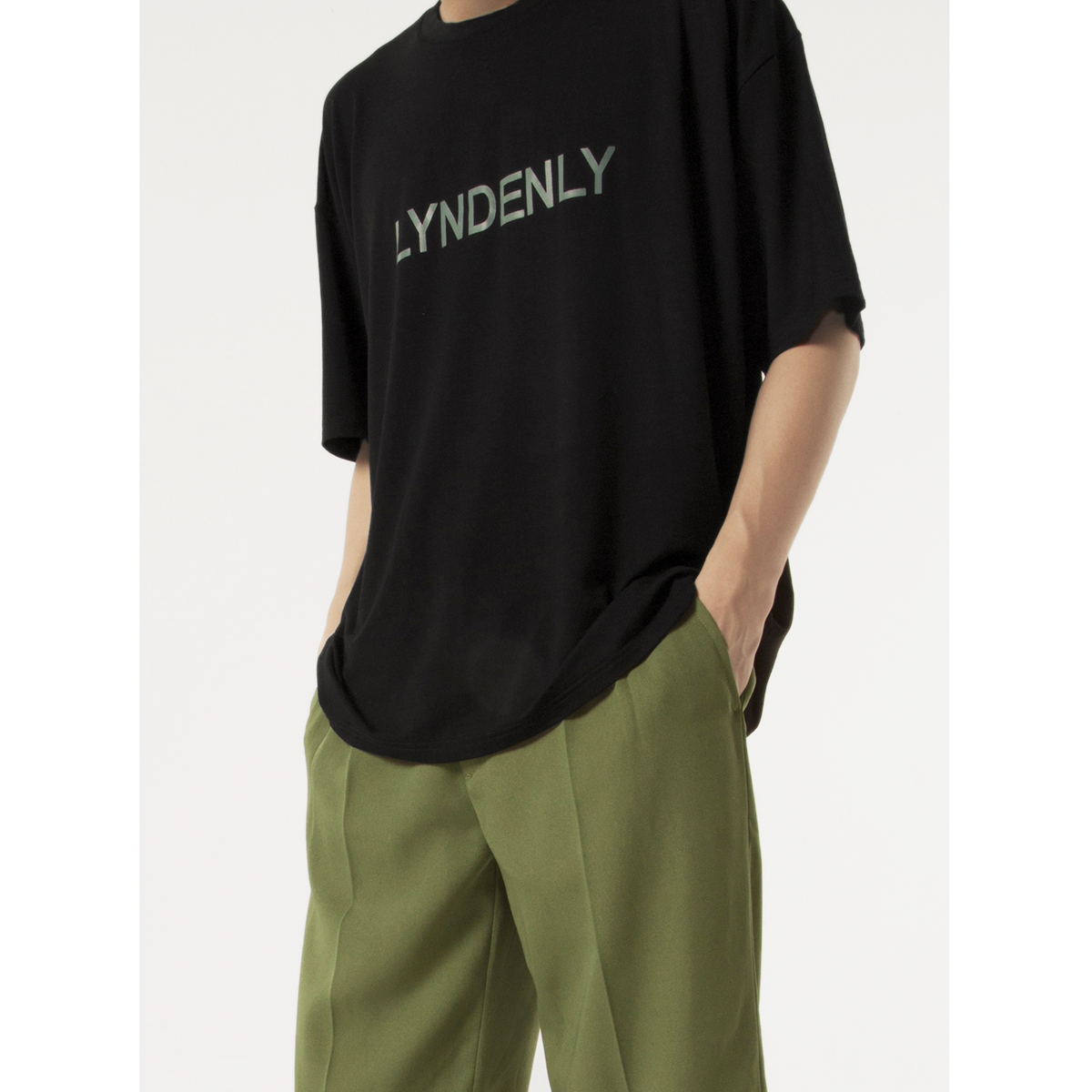 198.00元包邮lyndenly莫代尔黑白短袖男2019 t恤