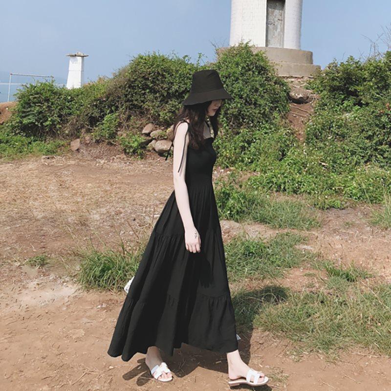 限10000张券马尔代夫海边度假沙滩裙海南三亚渡假超仙显瘦小黑裙吊带连衣裙子