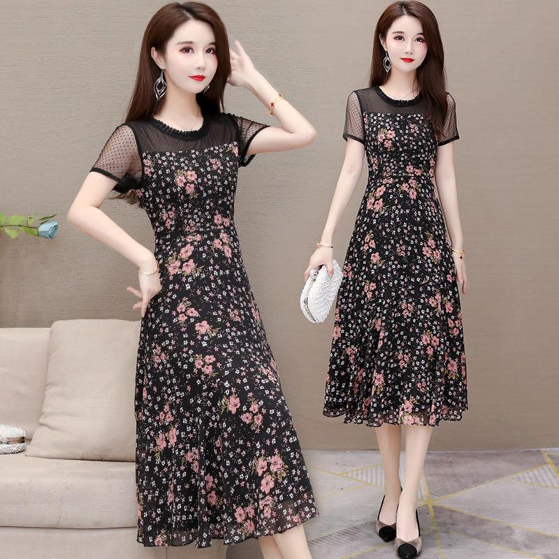 花柄のワンピース女性2020夏の新型ファッションは半袖の細く見える雰囲気の減齢シフォンのa字のスカートをつなぎ合わせます。