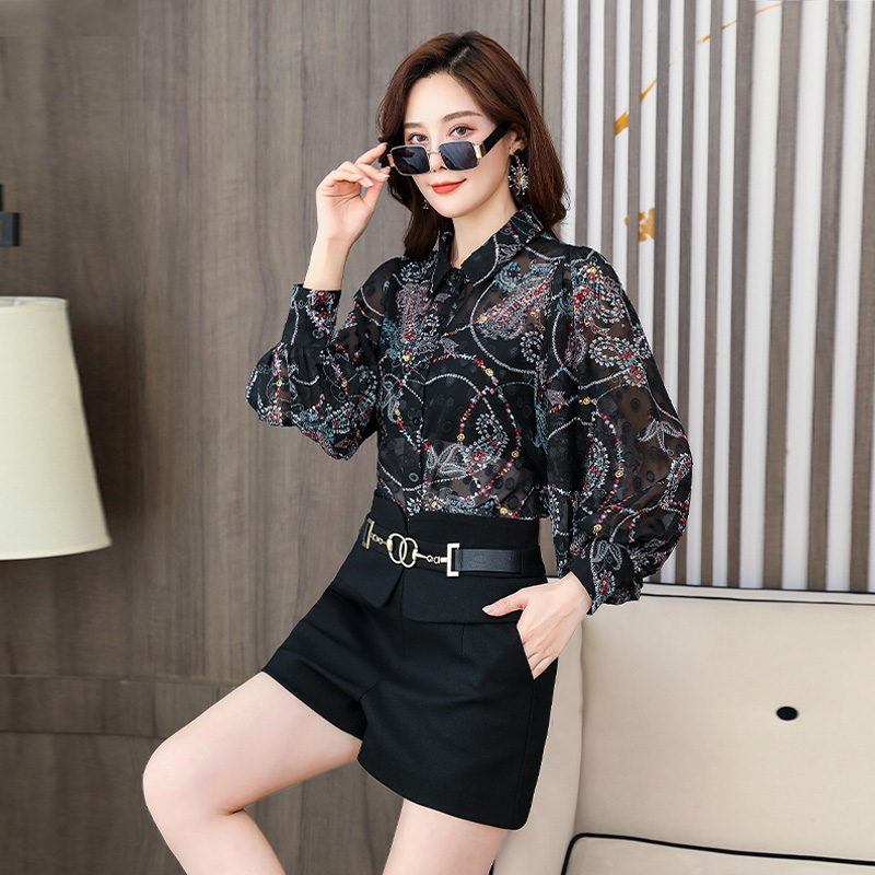 Western fashion spring floret pattern blouse two-piece fashion suit leisure High Waist Shorts women look thin and cover their stomachs