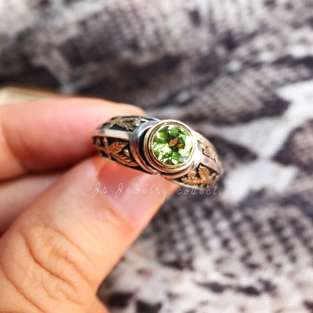 [spot] a small number of Italian designers create a pure olivine mens and womens pure silver ring by hand