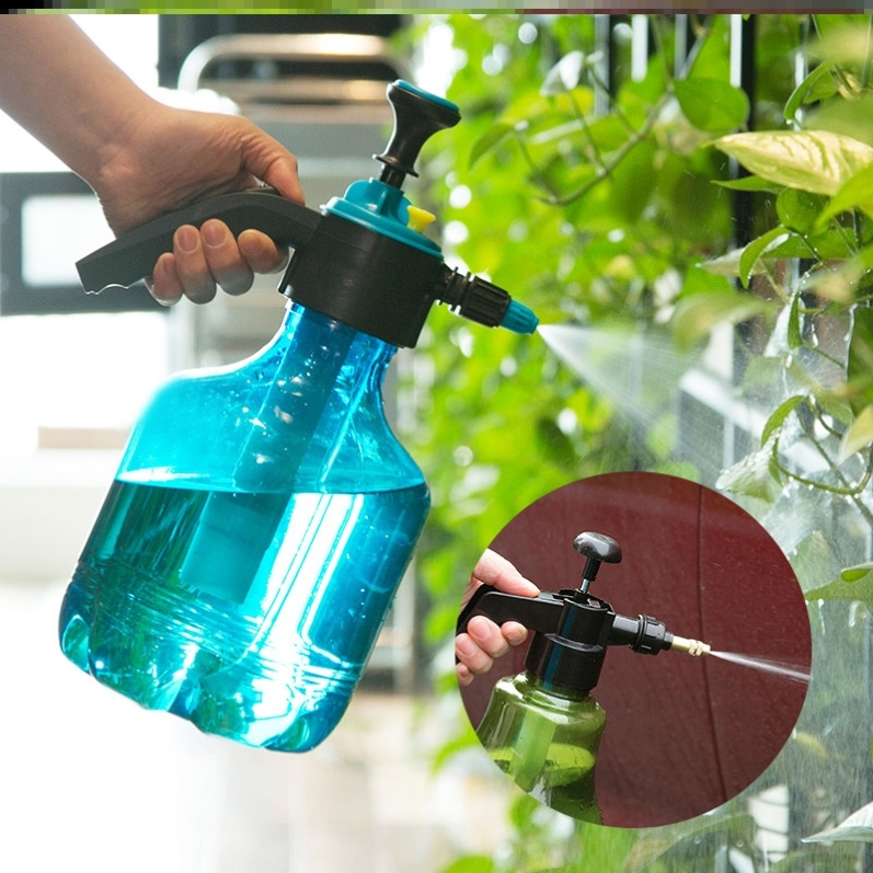 Potted flowers, family watering pot, cleaner, green plant, balcony, courtyard, hand pressure spray indoor watering flower spray bottle.