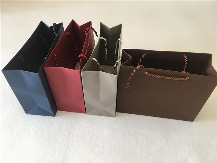 4色小方款精美手提袋*礼品袋*纸袋*包装袋*手提纸袋 批发