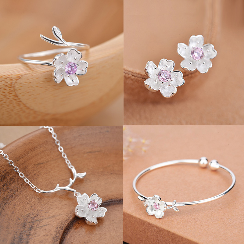 【套装】新款气质耳钉潮小巧花朵戒指少女纯银手镯韩版樱花项链女