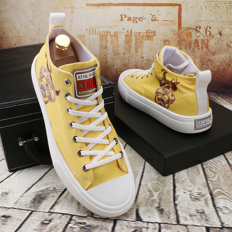 2020 summer Korean thick bottom wear resistant printed canvas shoes lace up round head mens shoes casual versatile youth high top shoes