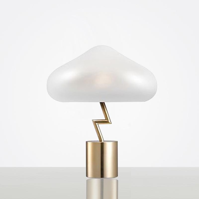 后现代卧室台灯轻奢创意个性北欧床头灯简约儿童设计师样板房蘑菇