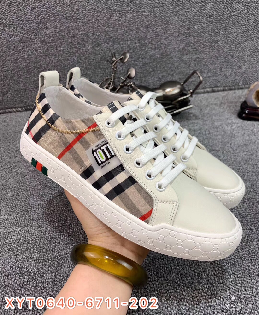 [pictures of West Asia] 20 years new genuine leather shoes, plaid stitching casual shoes, versatile shoes and fashionable shoes