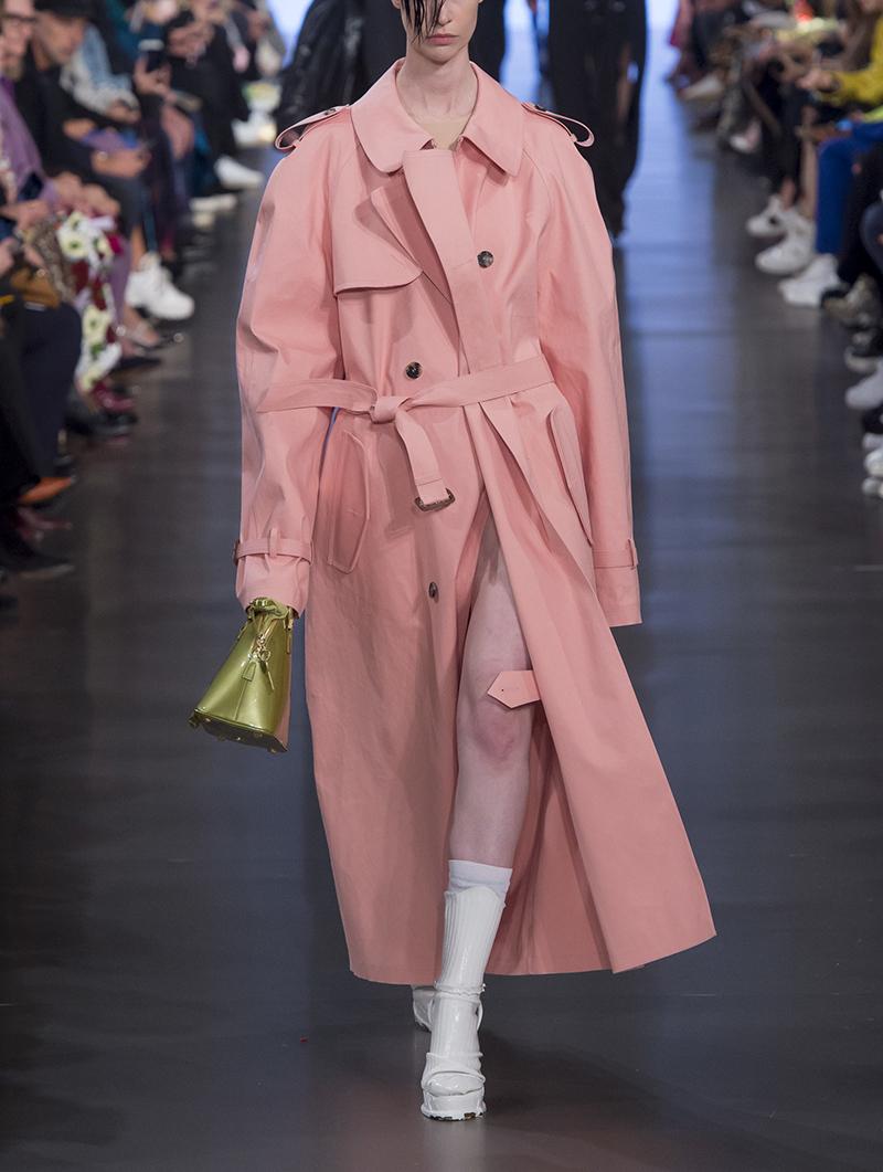 裙摆式粉色风衣女长款过膝宽松流行英伦风外套大衣女秋季新款2019