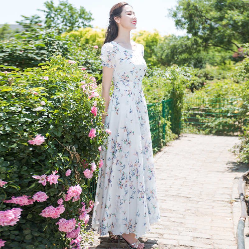 首尚衣品2020夏季雪纺泡泡袖大摆裙