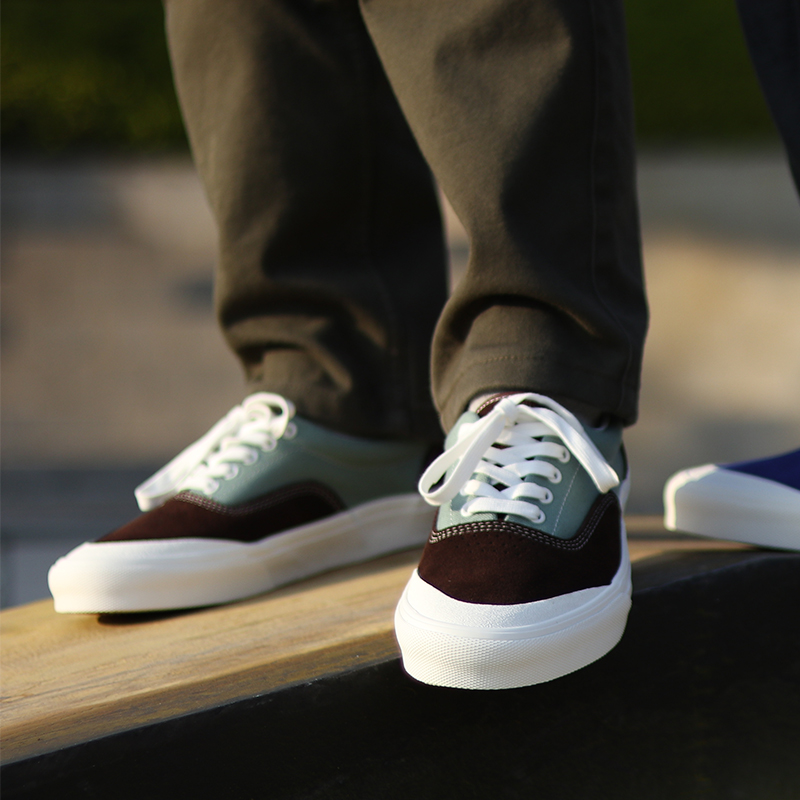 极路客极光蓝+绿咖啡色男女专业牛翻毛皮耐磨滑板鞋运动小轮车鞋