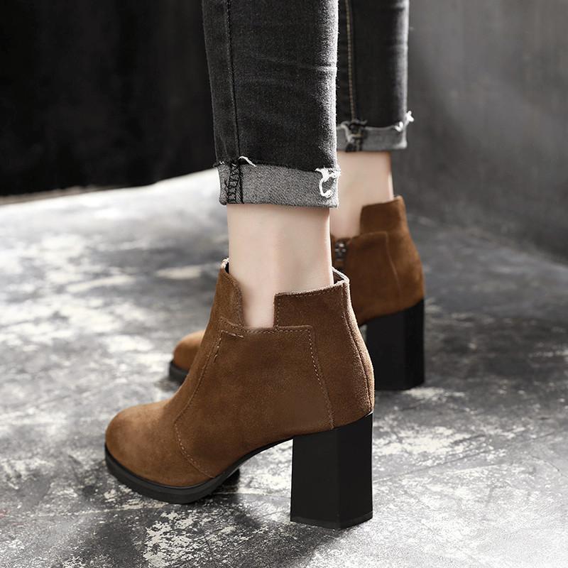 2018秋冬季新款真皮加绒短靴子女粗跟百搭马丁靴英伦风尖头高跟鞋