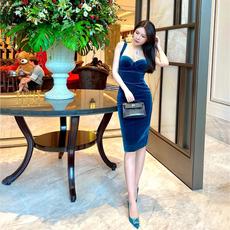泰国潮牌女21秋冬新款轻奢名媛OL气质优雅精品礼服宴会丝绒连衣裙