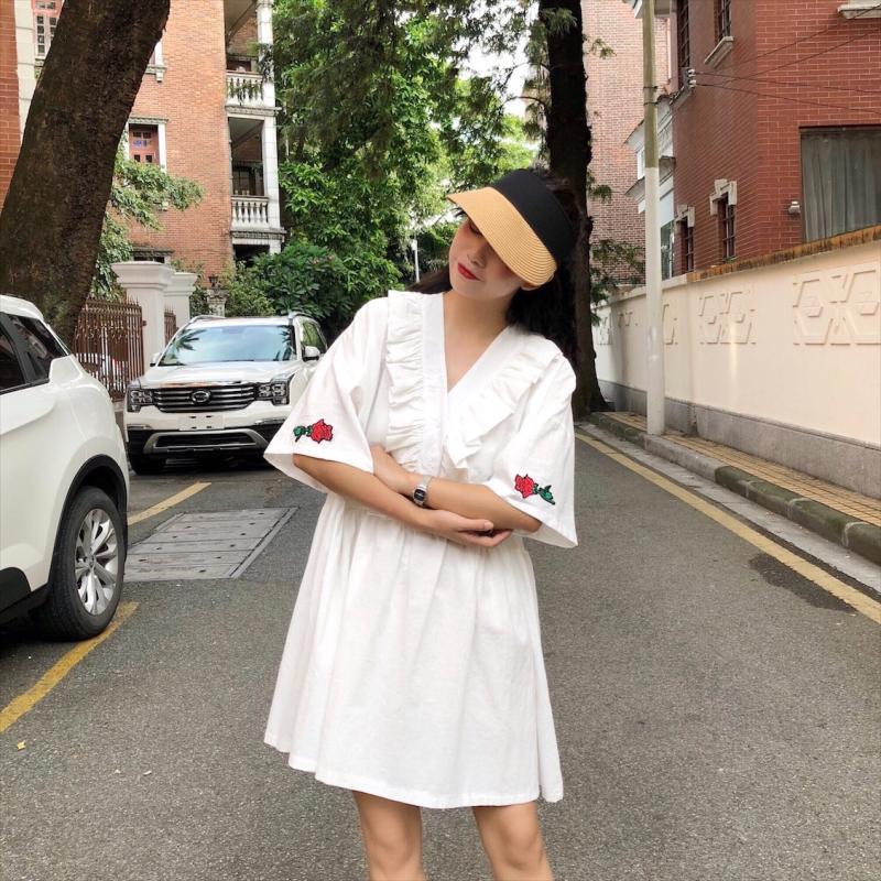 实拍 新款韩国刺绣玫瑰木耳边连衣裙女