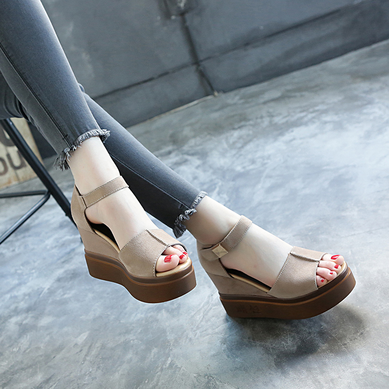 2020夏季新款鱼嘴凉鞋女仙女风韩版百搭高跟真皮厚底防水台坡跟鞋图片