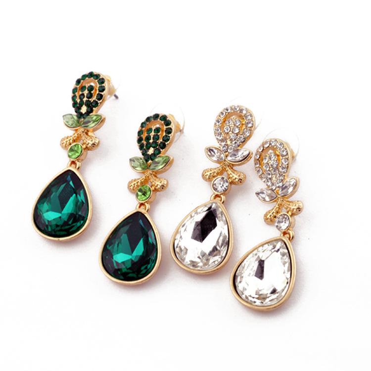 Qingdao European and American fashion ear jewelry FD diamond water drop womens earrings and Earrings