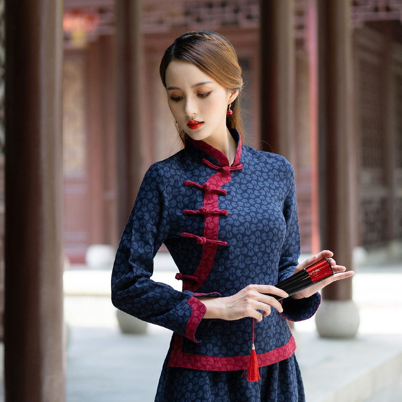 Autumn ethnic style jacquard thick material improved cheongsam top with plate button small stand-up collar design hem
