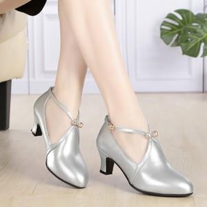 真皮软底中跟跳舞鞋广场舞鞋交谊舞鞋走秀迎宾室外舞蹈鞋女鞋