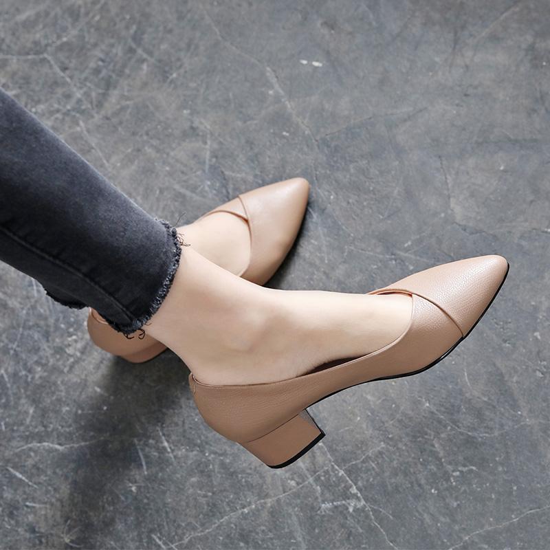 单鞋女粗跟中跟真皮浅口2019春款百搭2020春季新款春秋尖头小皮鞋