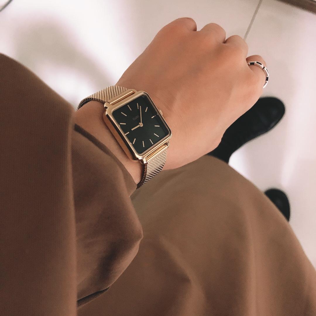 CLUSE时尚小方块手表,送女朋友1000元简约气质生日礼物