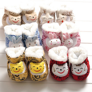 Cheap neonatal winter thicker plush animal shaped baby shoes baby shoes warm thick cotton padded shoes