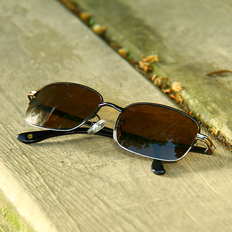 Natural crystal sunglasses made by stone mirror manufacturer for 40 years