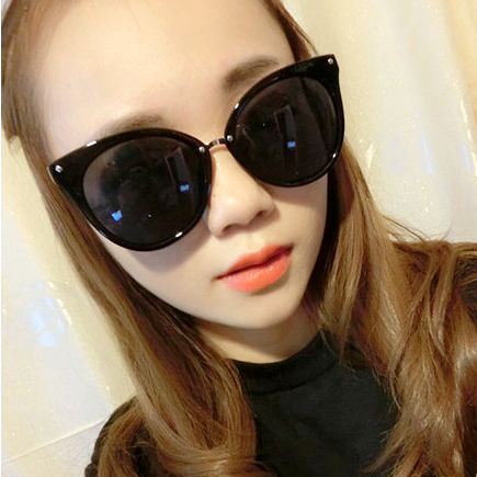 W18 2014 новые большие солнцезащитные очки бума звезды ретро очки большие солнцезащитные очки с черным кружком корейской версии