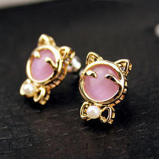 Korean jewelry 18K opal earrings pearl earrings kitty Korean fashion boutique exaggerated retro earrings