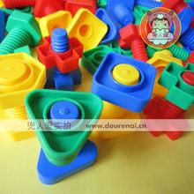 Пазлы, конструкторы > Игрушки на сопоставление форм и цвета.