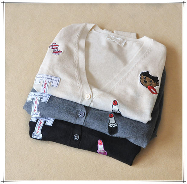 The autumn of 20, the new Winnie the Pooh womens cardigan Korean embroidery V-Neck Sweater Jacket sweater