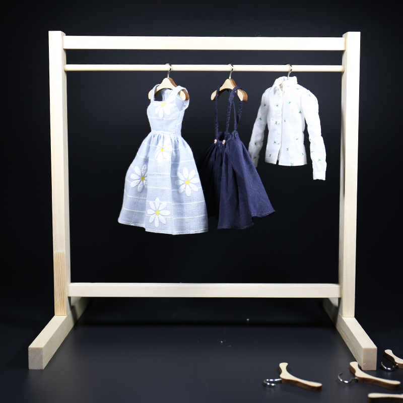 3:6 BJD dolls use mini clothes hanging to shoot props to store and arrange 27 cm 60 cm peaches