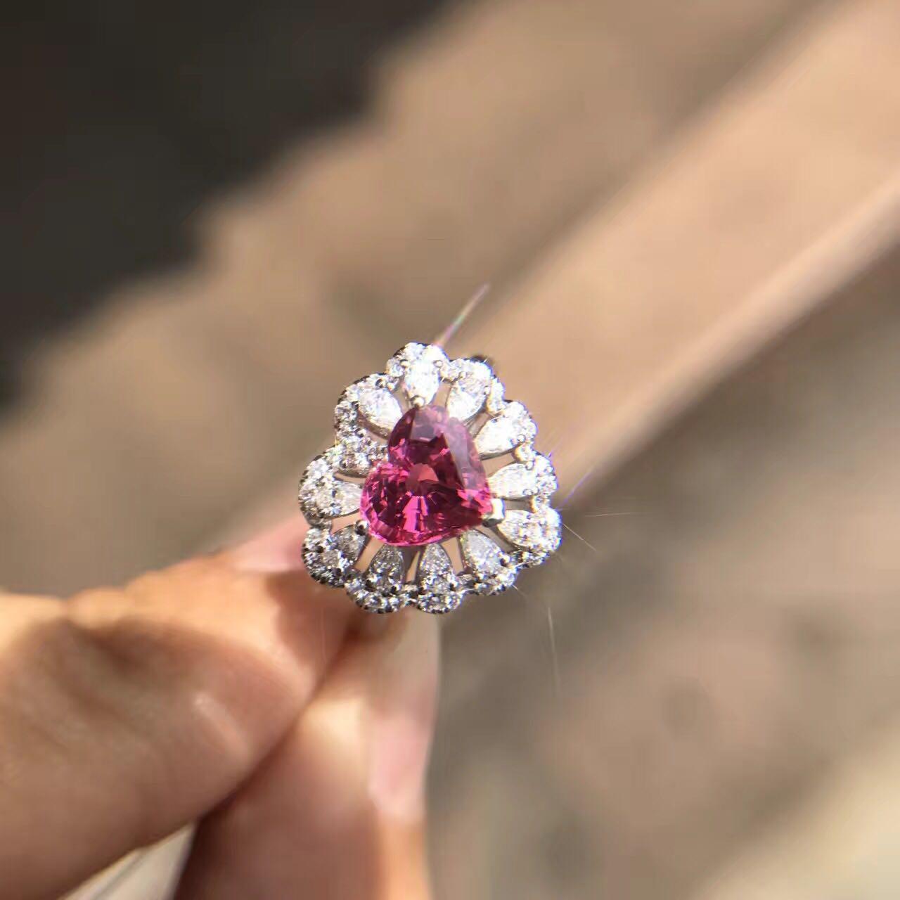 18K钻石翡翠心形宝石红宝蓝宝尖晶戒指吊坠手链镶嵌首饰加工定制